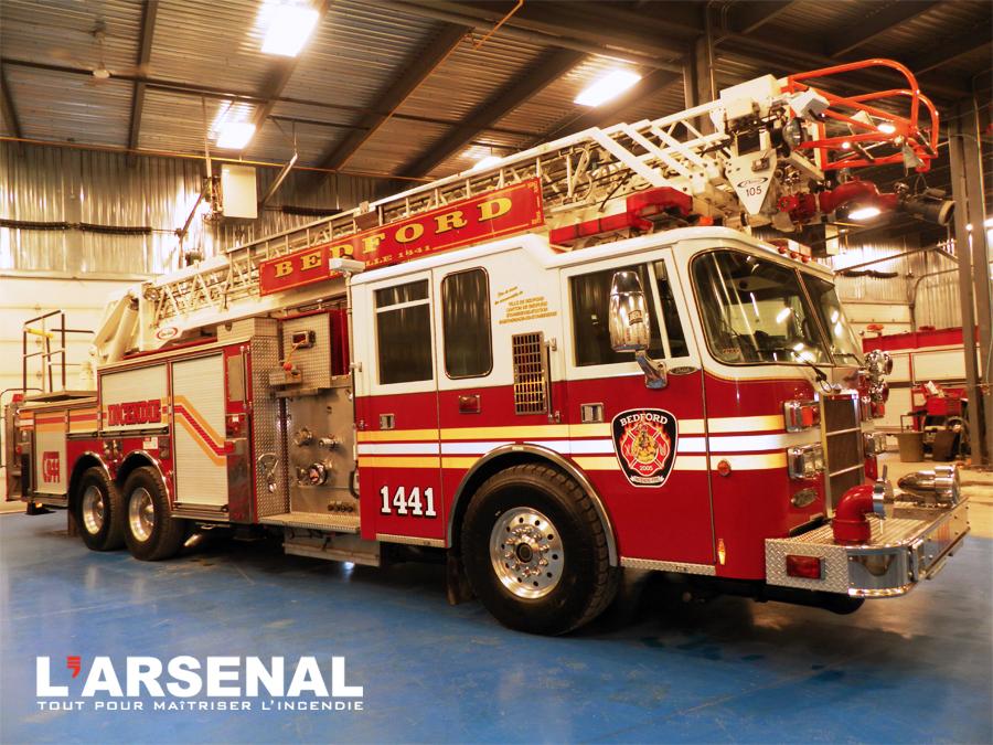 Camion-pompier Bedford-1
