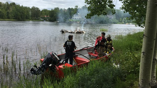 160729_zb9u0_pompiers-bateau_sn635